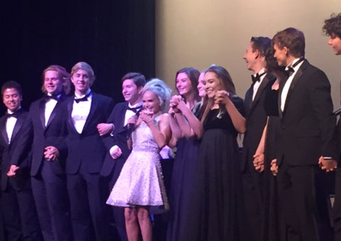 Kristen Chenoweth and the Tualatin High School choir perform at Portland Opera Gala